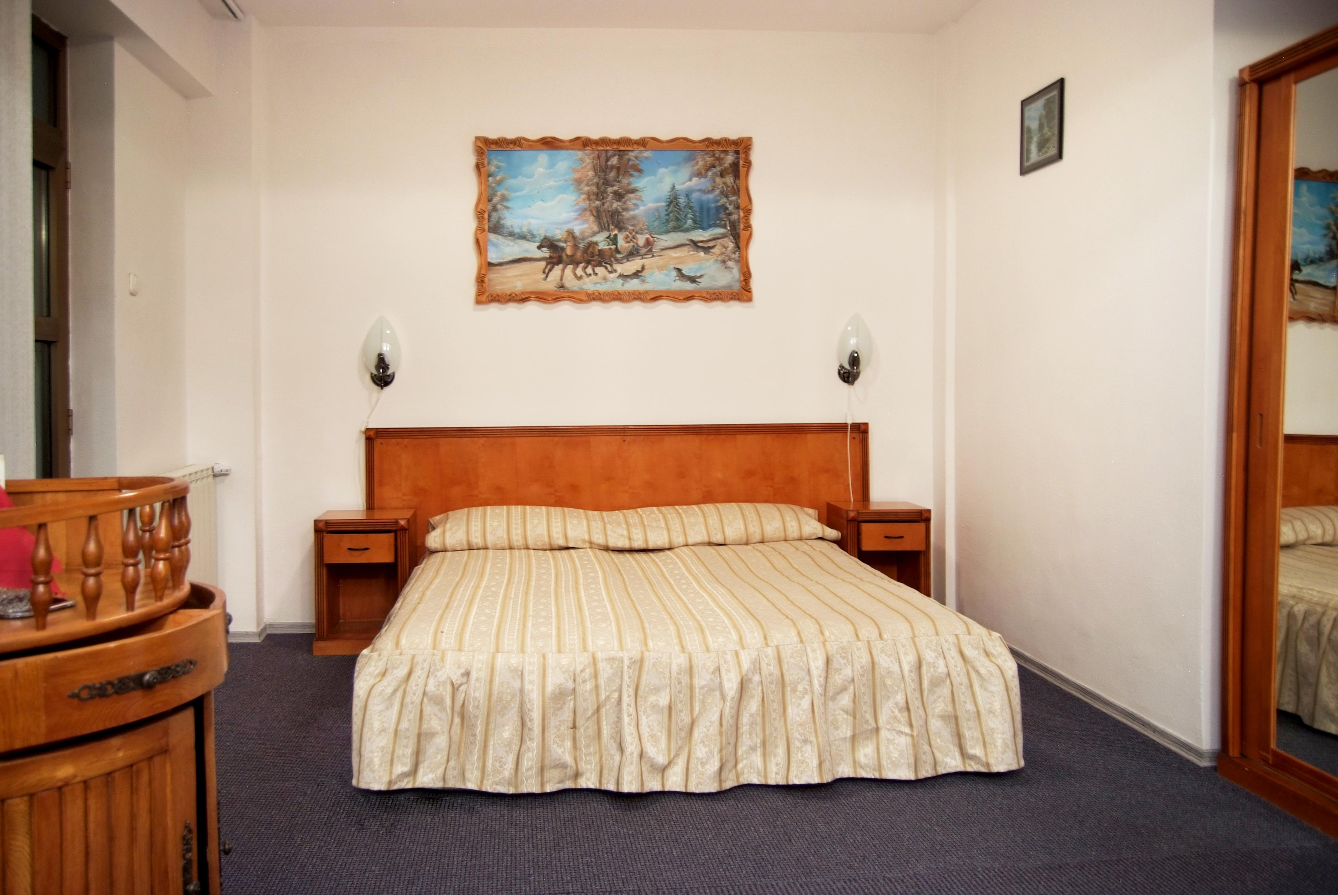 Matrimonio Bed : Double room accommodation at hotel slanic moldova