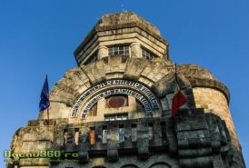 monumentul-eroilor-magura-tg-ocna-3-1000x666